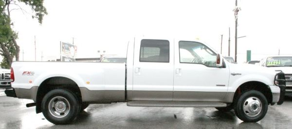 _______2006 Ford F350 King Ranch 4x4 Diesel Crew Cab Dually Loaded - $24995 (San AntoniO)