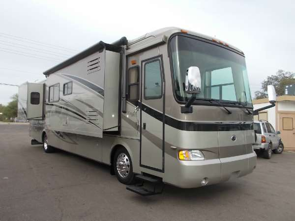 $89,900, 2007 Monaco Knight Diesel Triple Slide Loaded With Features
