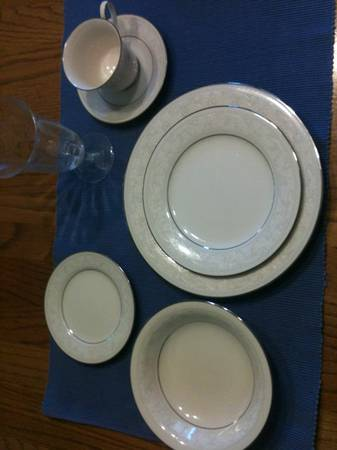 Noritake Ivory China 7087 Trudy - $300 (Temple)
