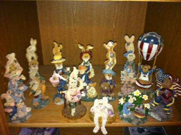 Boyds Bears Friends Collectibles - $10 (Robinson)