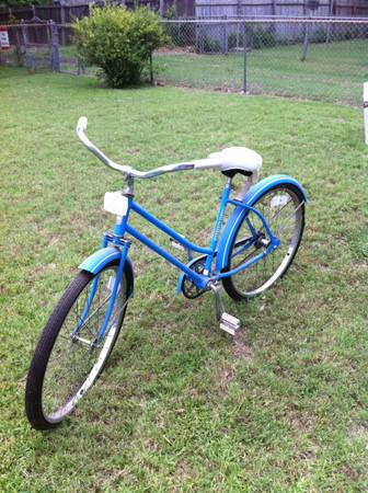 VINTAGE WESTERN FLYER GIRLS BICYCLE - $75 (WACO)
