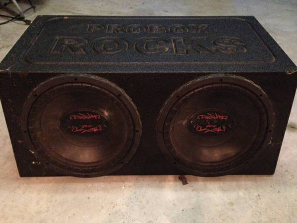 2 12 Kicker Comp Subs w Kicker Amp - $150 (Woodway)