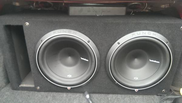 2 ROCKFORD FOSGATE P2 12S IN PORTED BOX - $300 (waco )