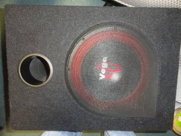SUBWOOFER, AMP, AND CAPACITOR FOR SALE (Waco)