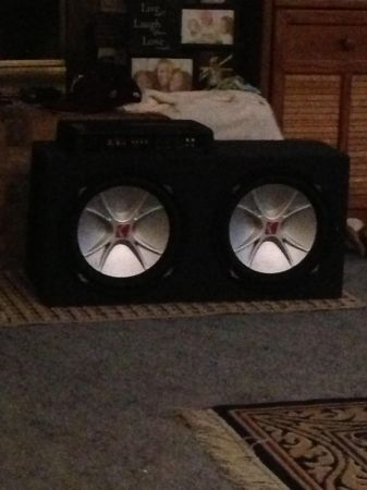 2 12 inch kicker subs with 1800 kenwood (Cameron Texas)