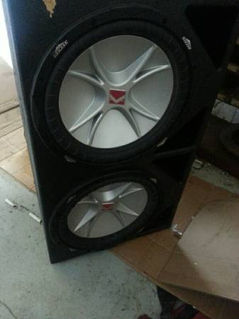 2-12 kicker cvr pro box and 3 farad cap - $450 (waco)