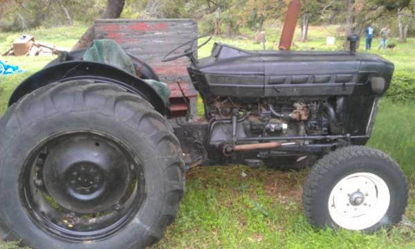 Ford 3000 Tractor, 47 HP, Shredder, Box Blade, Hay Fork, NEW Tires - $3500 (Whitney)