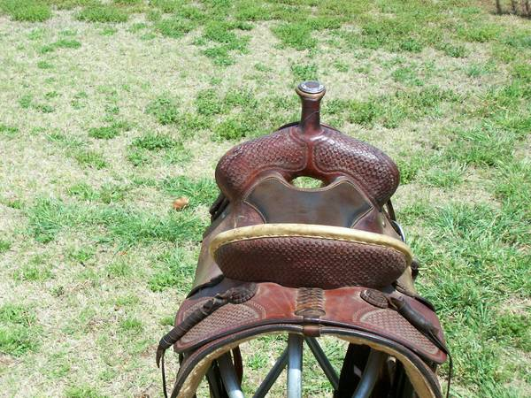 15 MORRIS SADDLE  - $550 (RAINBOW,TX)