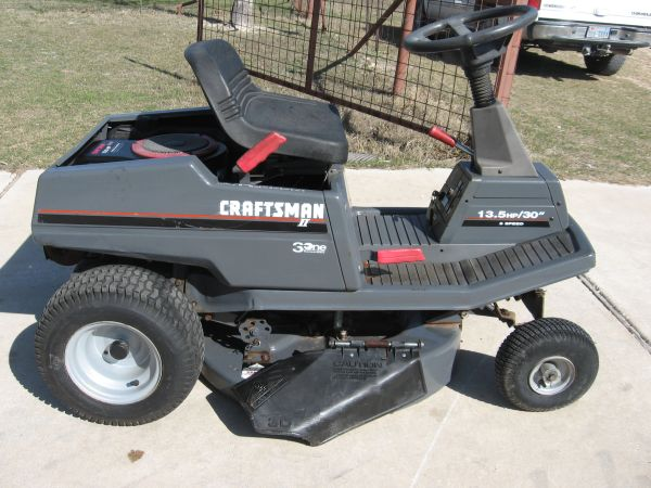 Sears Craftsman 30 Rider - $450 (Clifton)
