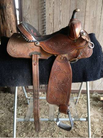 Double J barrel Saddle  - $1800 (76569)