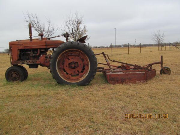 Farmall Super M Tractor W Shredder - $1695 (Waco)