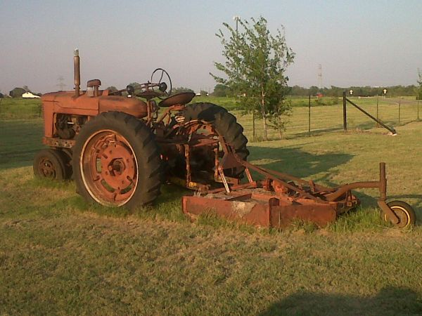 Farmall Super M Tractor Reduced (Leroy)