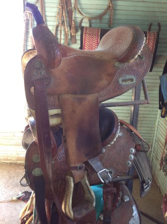 15 Martha josey barrel saddle - $500 (Gatesville)