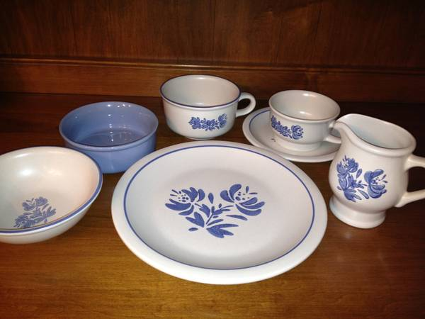 GREYWHITE YORKTOWNE DISHES SET - $75 (WACO)