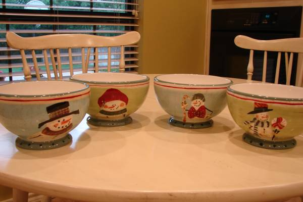 Christmas Dishes - $50 (Woodway)