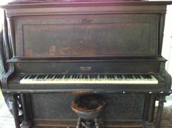 Story Clark 1910 Upright Piano (Coolidge, TX Area)