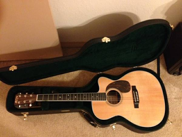 Martin guitar - model 000c-16rgte Aura - great condition - $1500 (Stephenville )