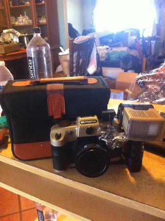 Photographers Camera Olympia EL1124 - $65 (South Austin)