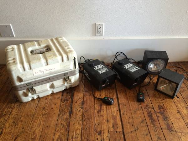 2x Fog Machines  2x Strobe Lights   Air Case -   x0024 75  Hillsboro  TX