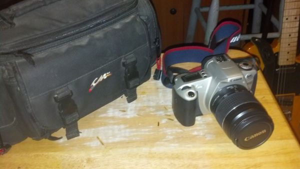 35mm Canon rebel 2000 w 28- 80mm lens case - $85 (Hubbard)